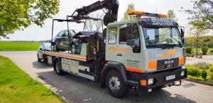 Lkw für Fahrzeugbeförderung mit Kran LFBK145