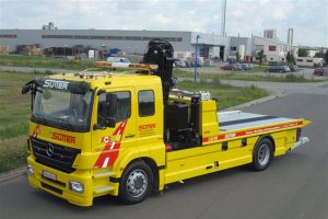 Lkw für Fahrzeugbeförderung mit Kran LFBK180