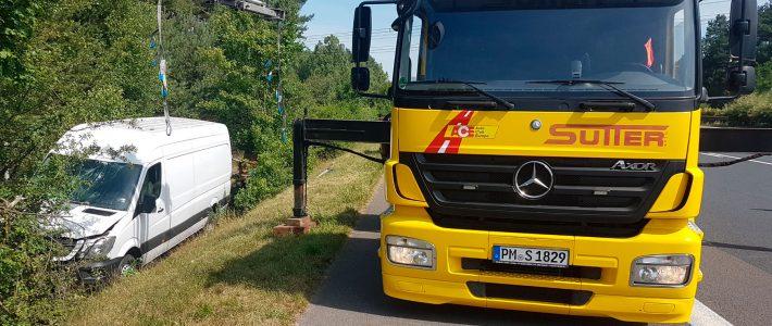 Transporter-Bergung mit Ladekran