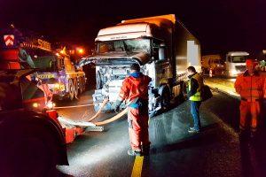 Abtransport mittels Abschleppwagen-Unterfahrlift